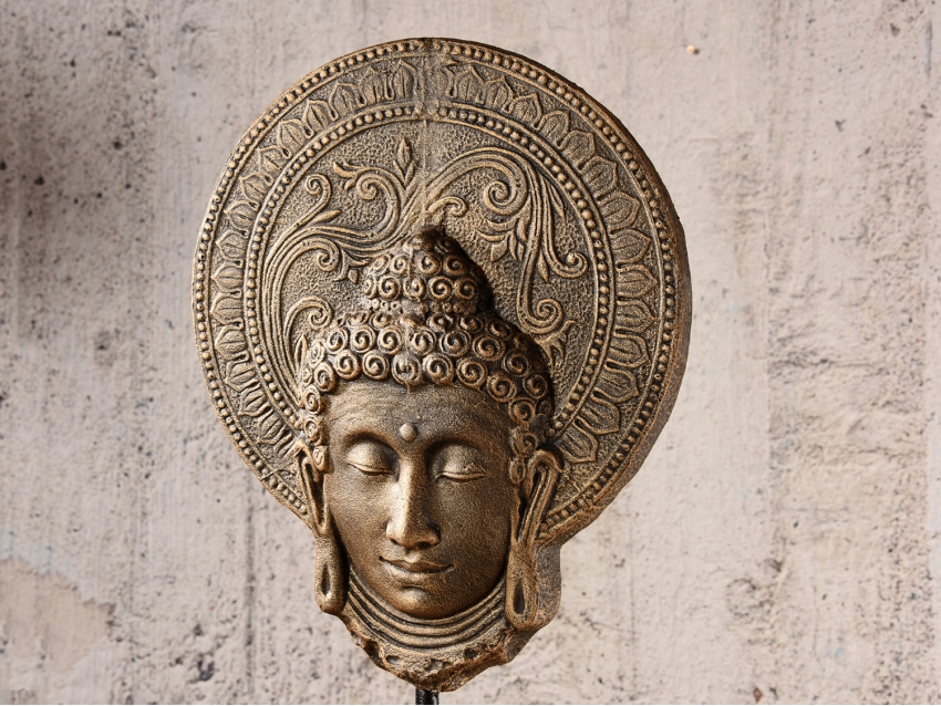 BURIAS Buddhakopf auf Teakholz Sockel - Antique Gold - Groß | FLAIR COLLECTION